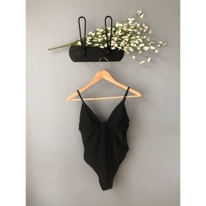 🎀 NWOT • Forever 21 • Black One Piece Swimsuit